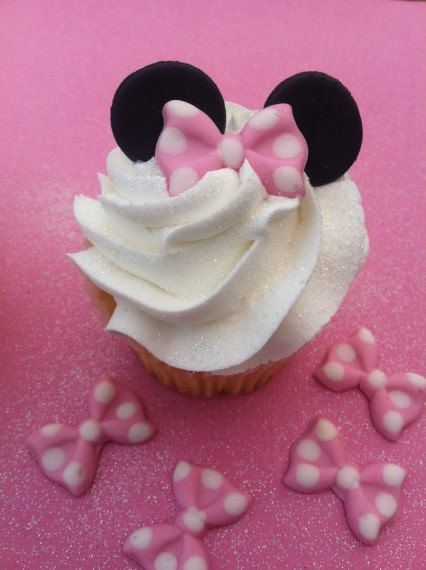(make bows with chocolate mold & ears from minnie oreos ...