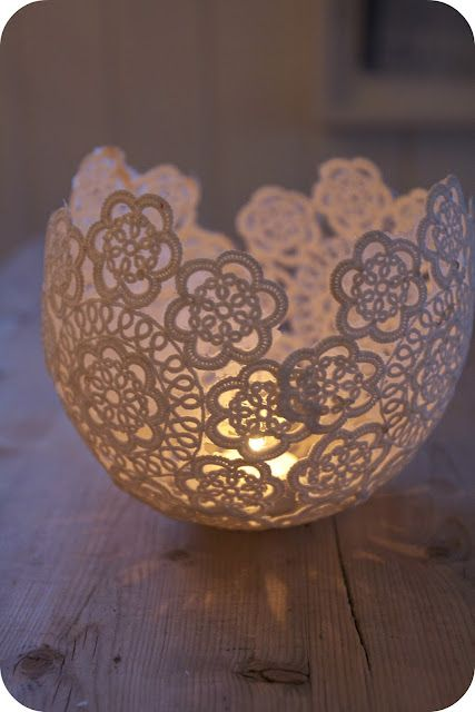 Hang a blown up balloon from a string. Dip lace doilies in wallpaper glue and wrap on balloon. Once they're dry, pop the balloon and add a tea light candle.: Idea, Lace Candles, Lace Doilies, Candles Holders, Candle Holders, Wallpapers Glue, Crochet Doilies, Teas Lights Candles, Tea Lights