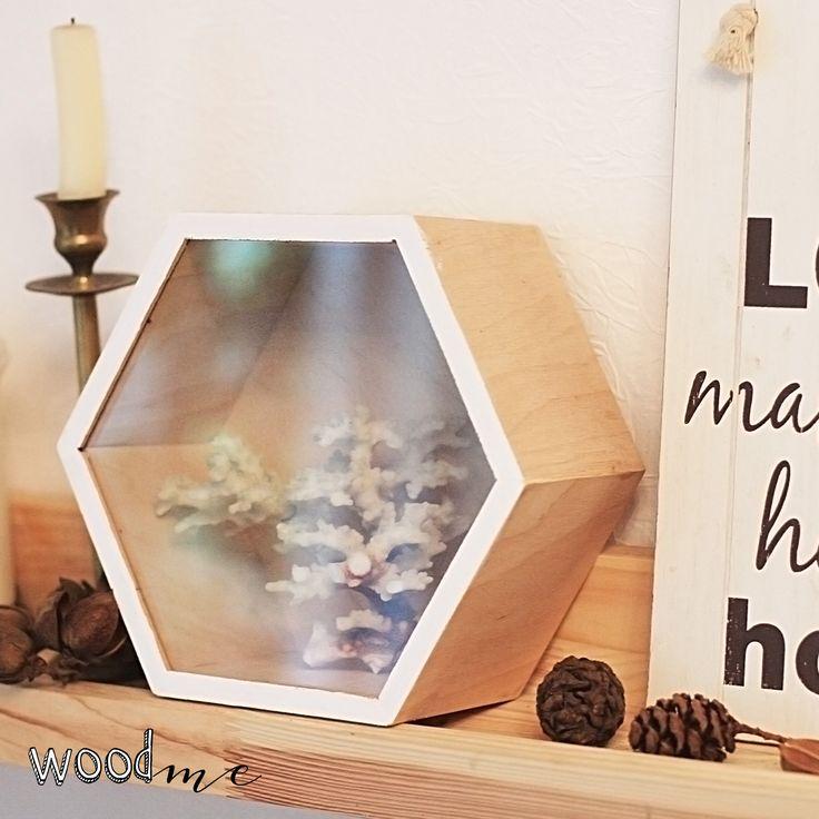 "Полки ""Соты"" от #Woodme в домашнем интрерьере/Shelves ""Honeycomb"" by #Woodme in home interior.  #shelf #loft #lofts #lofty #loftlife #loftstyle"