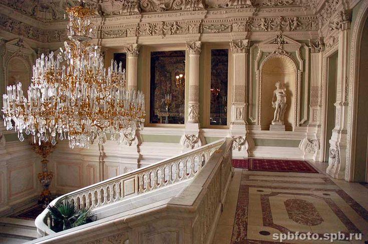 Парадная лестница Юсуповского дворца. Верхний этаж.