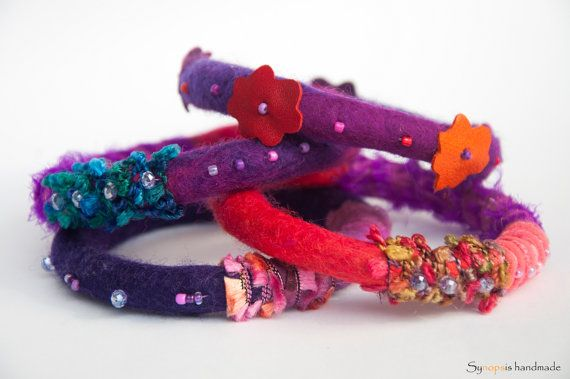 handmade bracelet Thelxinoe with felt and von synopsishandmades