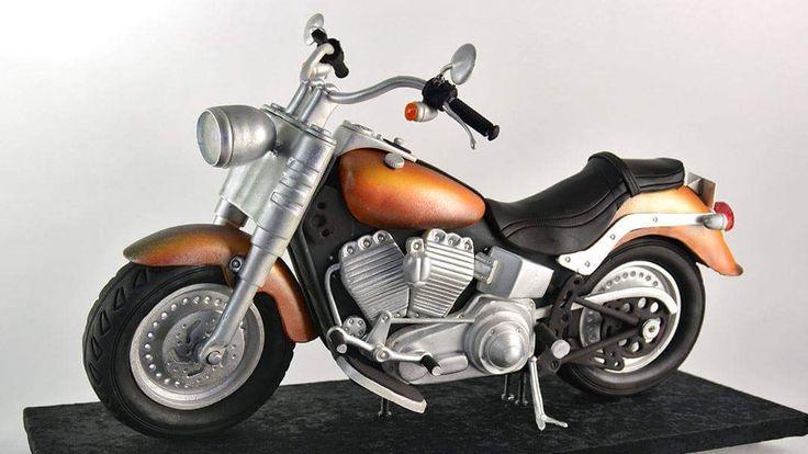 http://www.yenersway.com/tutorials/3d-cakes/3d-cruiser-motorcycle-cake/