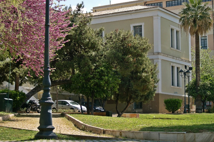 This building was the first hospital of the city, built in 1842, but now houses a cultural center of the municipality. (Walking Athens, Route 01 - University Str.)