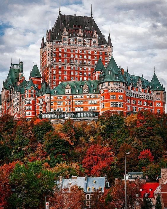 Château Frontenac, Québec, Canada on Sunsurfer, a visual blog about travel, love & the beauty of our world.