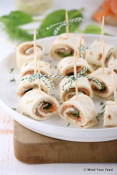 Zalm wrap met honing mosterd saus - Mind Your Feed