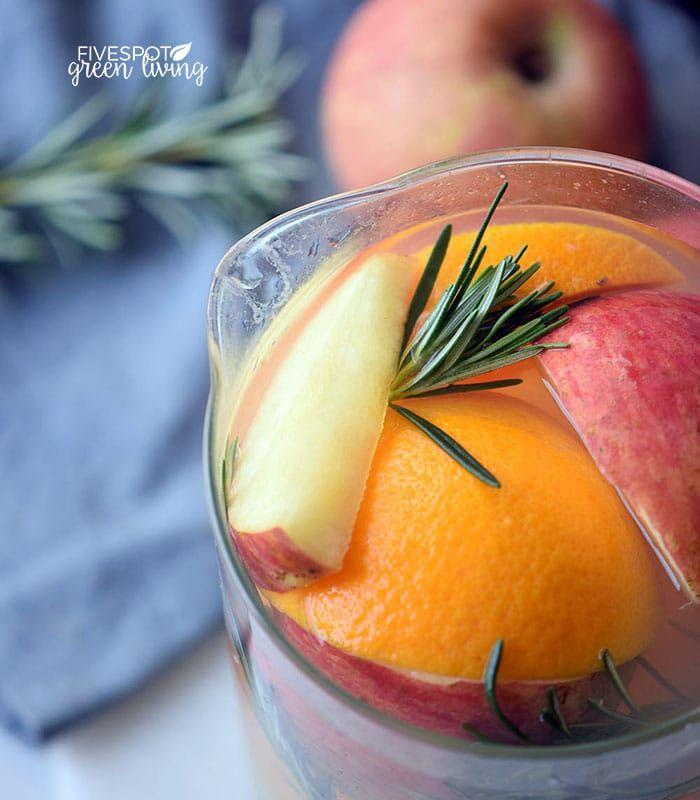 Thanksgiving Punch Recipe: Autumn Harvest Thanksgiving Punch Mocktail