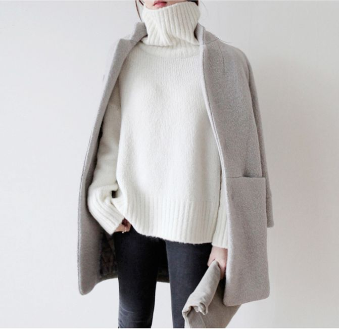 grey & white | long light grey wool coat | large pockets | + oversized white cable turtleneck | dark pants | soft suede foldover clutch | minimal, modern | warm | clean lines | fall fashion | street style