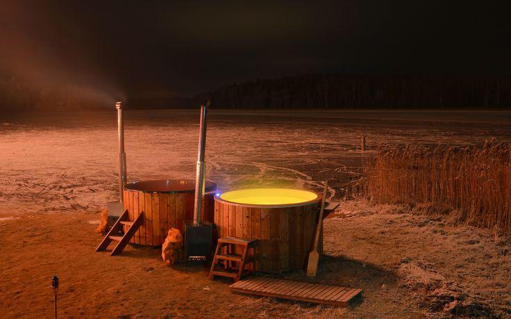 kubuls.lv āra burbuļvannas pie Vaidavas ezera Jaunā gada naktī.