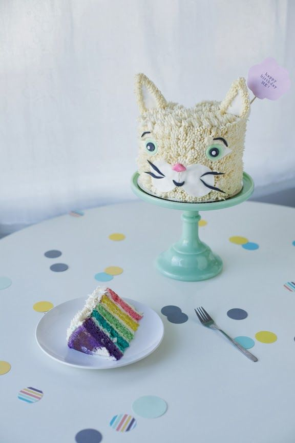 // rainbow cat birthday cake. //