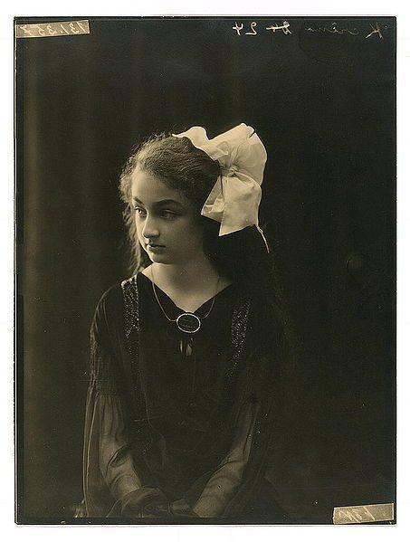 Hatice Hayriye Ayşe Dürrüşehvar Sultan (1914-2006)  Daughter of Abdülmecit II.