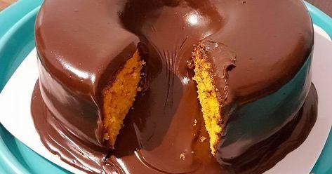 Calda de chocolate perfeita, para cobertura de bolos! Fica maravilhosa e muito lisinha. É bem fácil de fazer.