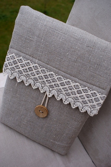 Cartera en color Gris con blanco