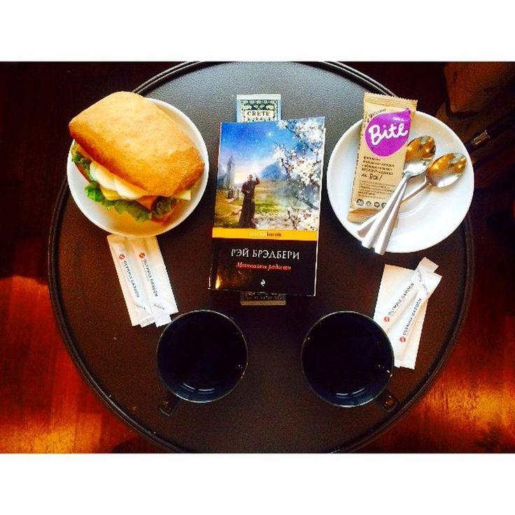 Kahvia ja sämpylää on hyvä nauttia Sokos Hotel Olympia Gardenilla. ps. Hotellissa on ilmainen wifi kaikkialla. St Petersburg - Семёновский - Pietari