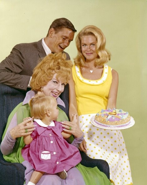 Eliz Montgomery and Bewitched cast