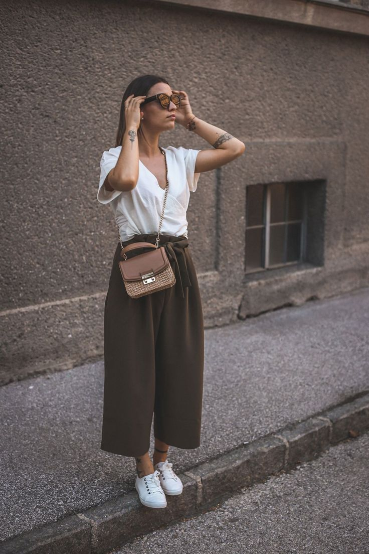Culotte, wrap blouse and basket bag