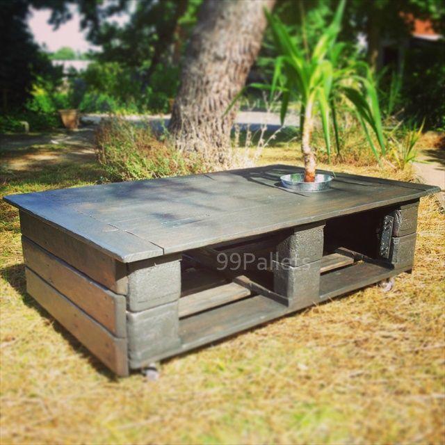44 best images about DIY Pallet Tables on Pinterest Wood Pallet