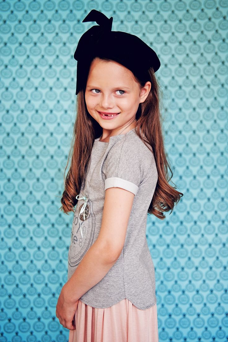 Amelia in 5 o'clock t-shirt*