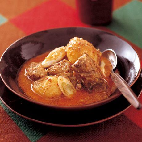 レタスクラブの簡単料理レシピ すりごまときな粉でマイルドな辛さ「スペアリブのカムジャタン風シチュー」のレシピです。