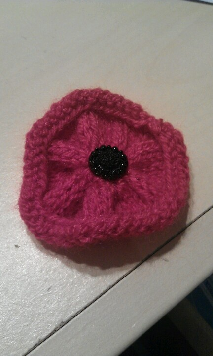 Simple Knitting Pattern For Poppy : 17 Best images about Poppies on Pinterest Quick crochet, Poppies and Beaded...