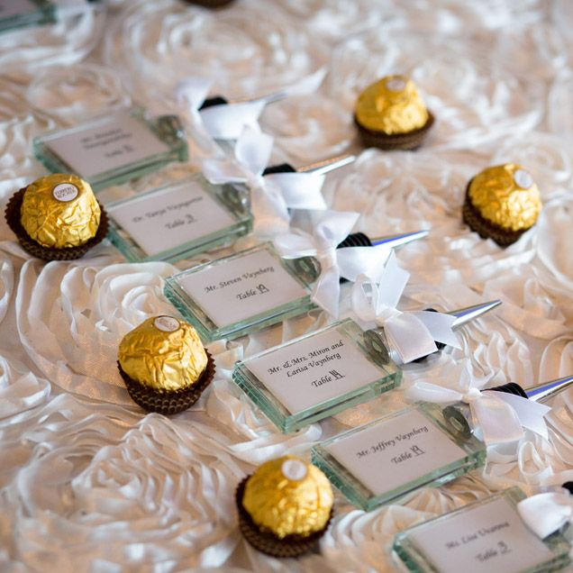 Party Favor Ideas For Wedding Reception: Ferrero Rocher Wedding Favors With Name Cards