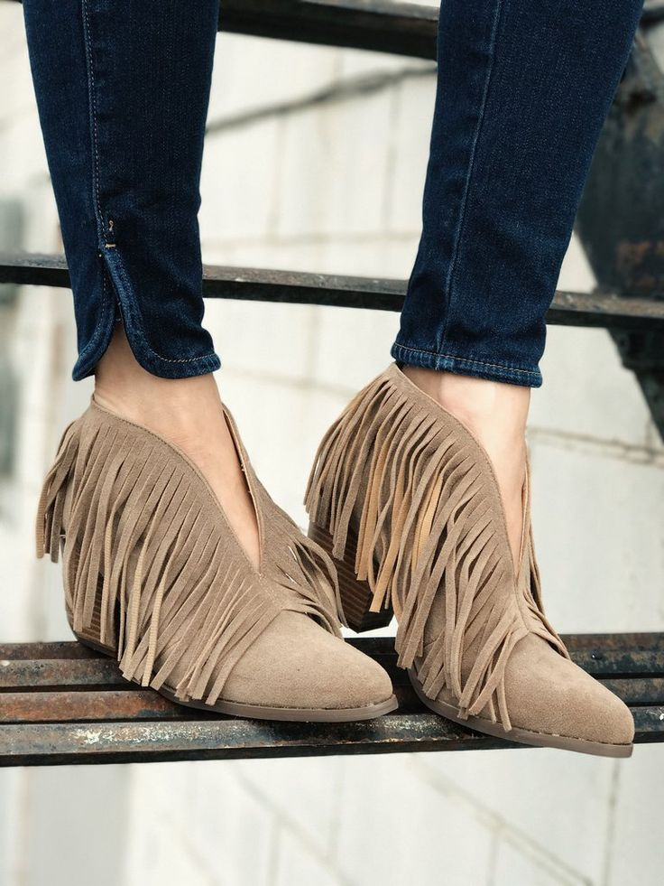 Lakota Fringe Booties. Chic and sassy. Deep v front fringe boots. Fall fashion. Western style. Fashion. Style. Boutique. therollinj.com