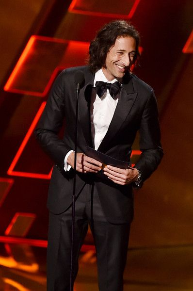 Adrien Brody Photos - Actor Adrien Brody speaks onstage during the 67th Annual Primetime Emmy Awards at Microsoft Theater on September 20, 2015 in Los Angeles, California. - 67th Annual Primetime Emmy Awards - Show