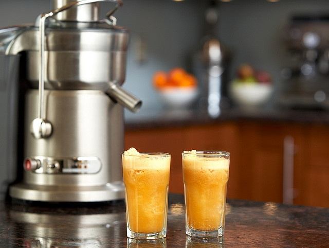 the Juice Fountain Elite and the Clementine Cocktail