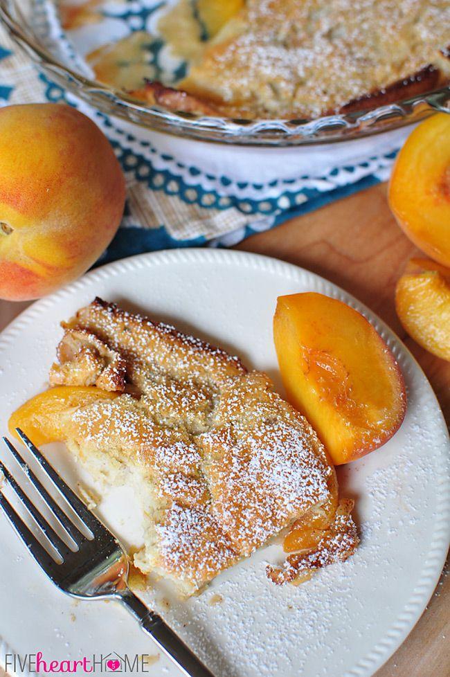 Peach alemão Pancake (holandês Baby) ~ dourado, inchado, e panqueca frigideira bem quente cravejado com pêssegos |  FiveHeartHome.com