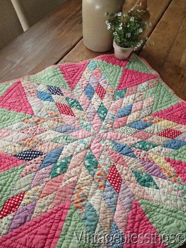 """Fabulous! Vintage 30s Starburst QUILT Piece 24"""" Make Wall, Doll or Table Quilt"""