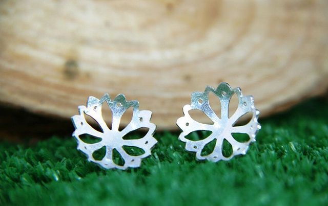 Lotus Studs Silver / Topos Loto plata ley 950  Lovely, feminine, delicate, just like you! www.silviaardila.co