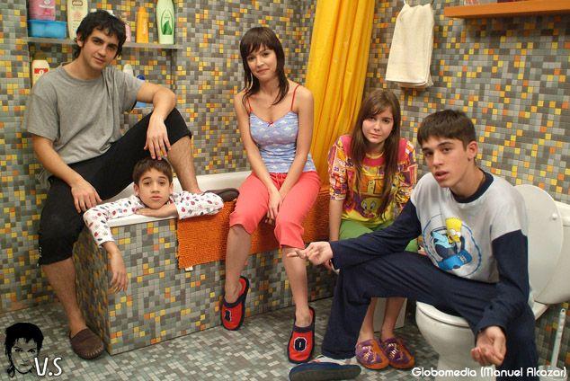 Los Serrano , los ninos de familia