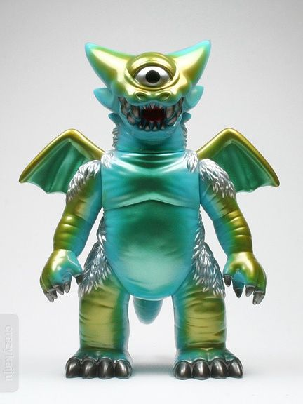 Would like to get a hold of a Gargamel Deathra. One of my favorite figures. #sofubi #kaiju