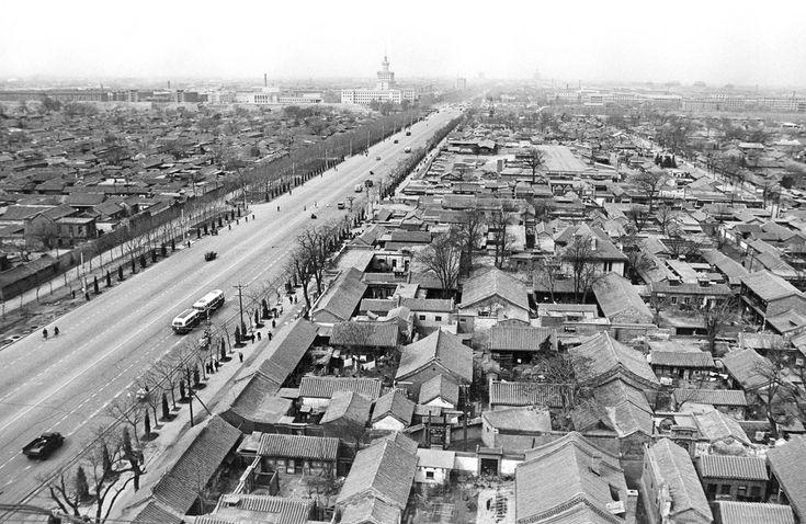 Главная улица в Пекине, Китай, 11 мая 1966 года.