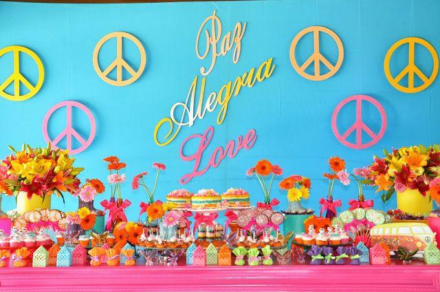 Para começar a semana tem uma Festa Hippie Chic.Cores vibrantes e uma decoração rica em detalhes fofos.Venha se inspirar e fazer uma festa bem linda para sua filha!!!Imagens do site Juliana Ingl...