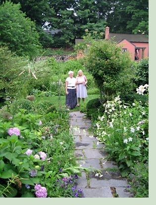 36 best images about garden inspirations from gertrude for Gertrude jekyll garden designs
