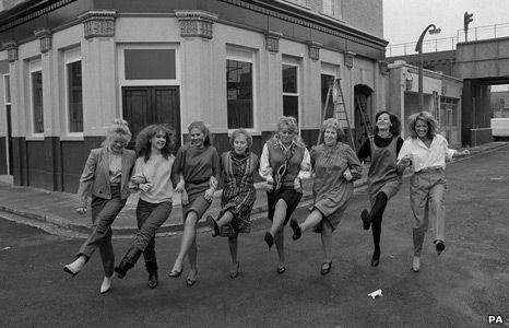 The lovely ladies of Albert Square: Tish Dean(Sharon Watts),Sue Tully (Michelle Fowler),Shirley Cheriton(Deb Wilkins),Gretchen Franklin(Ethel Skinner),Wendy Richard (Pauline Fowler),Anna Wing(Lou Beale),Sandy Ratcliff(Sue Osman), Gillian Taylforth (Kathy Beale). 1985