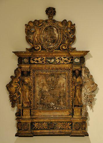 Retable d'oratoire orné de la Résurrection À droite et à gauche, les apôtres Pierre et Paul sont disposés en cariatide Bois et albâtre, Nord de la France, 1610 - musée de Cambrai