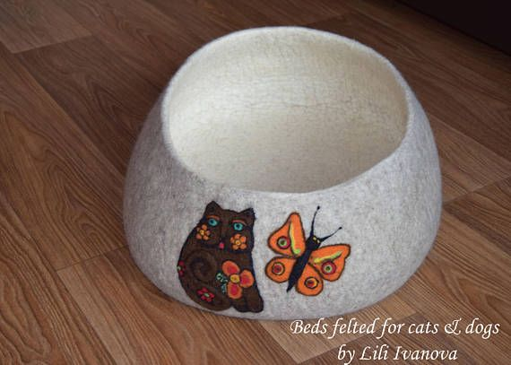 Bed felt. Cat Bed Cave Cocoon. For cats. Лежанка валяная из