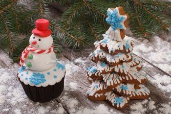 focaccina come un pupazzo di neve e albero di Natale Cookie photo