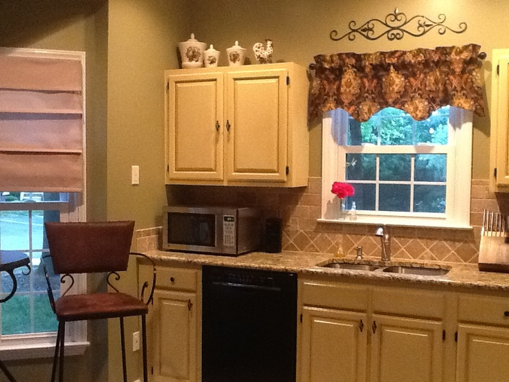 Cabinet kitchen makeover with cece caldwell chalk paint for Cece caldwell kitchen cabinets