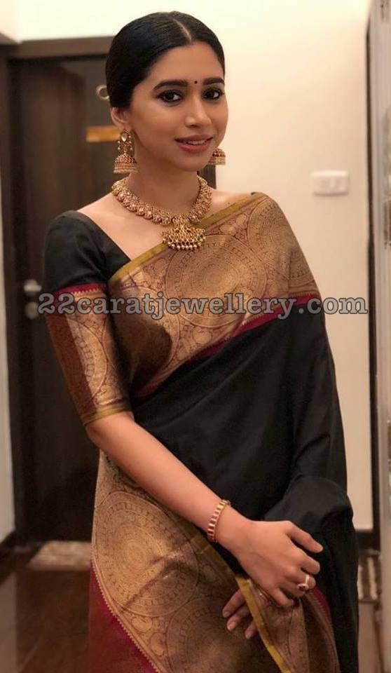 Aarthi Ravi Mango Necklace Jhumkas