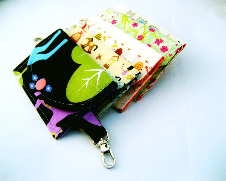 The Sandi ID Wallet Tutorial - a snap pouch with a secret ID pocket. Downloadable template and instructions