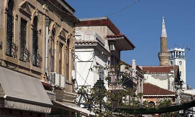 ΕΠΙΤΕΛΟΥΣ!!!!!Ποινική δίωξη άσκησε ο εισαγγελέας Ξάνθης κατά του «Ψευτομουφτή» Ξάνθης Αχμέτ Μετέ.Με ΣΚΥΦΤΟ το κεφάλι  ο βουλευτής του ΣΥΡΙΖΑ Ξάνθης Χουσεϊν Ζεϊμπέκ στο γραφείο του  «Ψευτομουφτή» , προκειμένου να του δώσει «εξηγήσεις»