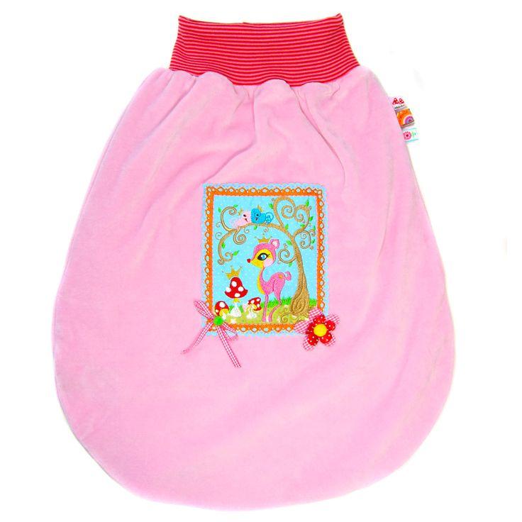 Ganz Kleine sollen richtig gut schlafen. Eine dicke Bettdecke ist zu warm und nicht sicher. Herrlich praktisch und vor allem sicher sind Kuschelsäcke. Sie vermitteln weiche Geborgenheit, ohneeinzuengen. Für viele Babys ist es ein...