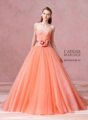 美しく整ったAラインが美しいカラードレス♡誰もが憧れるセンスがいい・おしゃれな花嫁さん一覧まとめ♪
