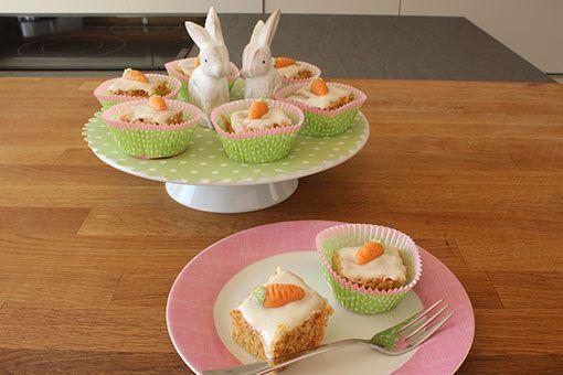 Möhrenkuchen / Rüblikuchen mit Vanillefrosting