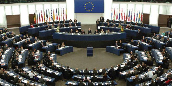 Il Parlamento europeo boccia indicazioni 'invitanti' su bevande energetiche