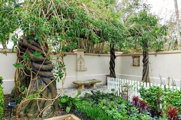 076ff2498ffa6721298cb503f8f8fa36 - The Florida Botanical Gardens In Largo