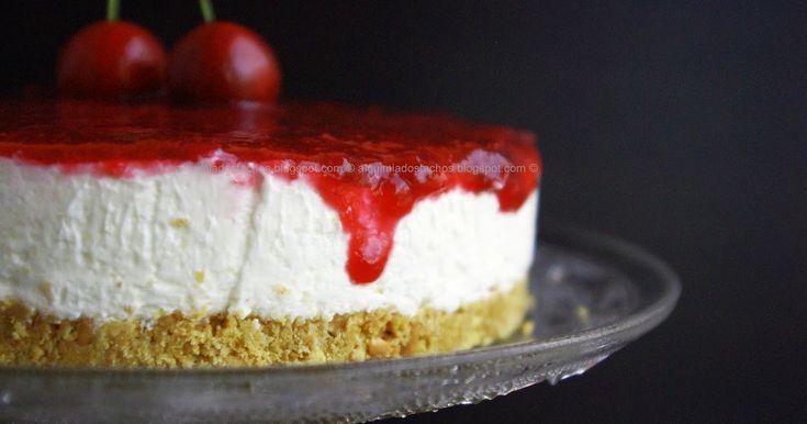 Ingredientes: Base: 200g de bolachas digestivas 80g de manteiga (usei margarina vaqueiro) Recheio: 350g de queijo creme (t...