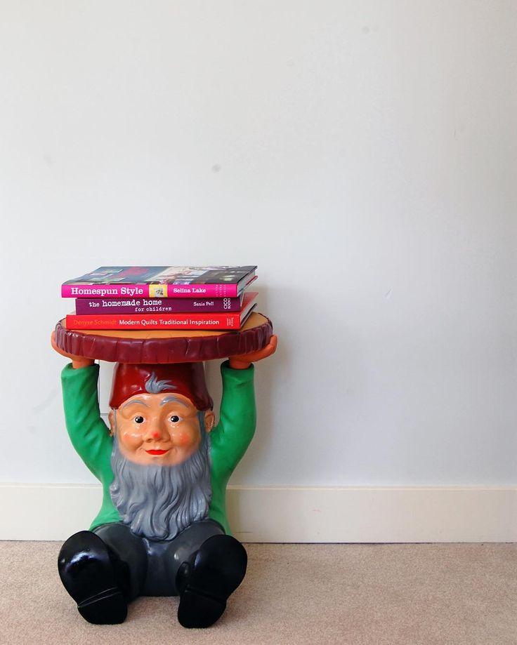 Do ogrodu i nie tylko... Krasnal-taboret Attila firmy Kartell projektu Philippe Starck do nietuzinkowych wnętrz z humorem. Attila dostępny jest na Designisgood.pl. Dostawa gratis w całej Polsce!